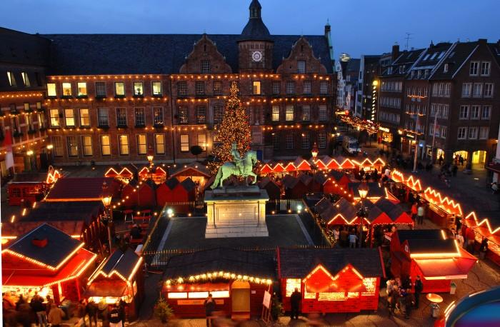 vDüsseldorfer Weihnachtsmarkt